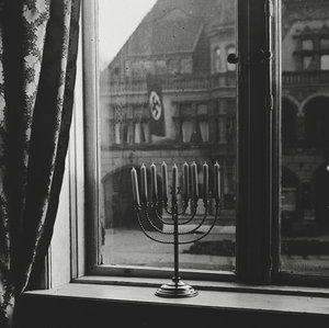 Menorah-Swastika