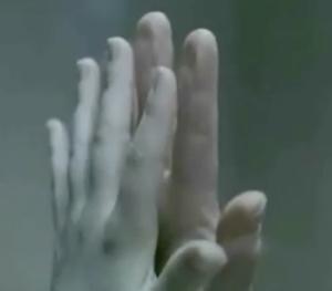 Pesach-hands